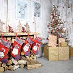 CSFOTO 6x4ft Background Rustic Christmas Decoration Inside Photography Backdrop Christmas Socking Gift Elk Picture On Wall Wood Slices Tradition Celebration Photo Studio Props Polyester Wallpaper
